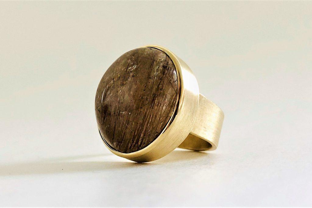 Rutiel kwarts ring met gouden naalden